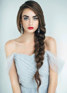 Searching for wedding for your big day? Everyone wants to tie the knot in style so we've got to work selecting the best bridal looks. From classic chignons to fashion-forward braids, discover the perfect wedding hair ideas for your nuptials right here. Side Braid Wedding, Side Braid Hairstyles, Hairstyles For Long Hair Wedding, Bridal Hairstyles, Braids For Wedding Hair, Best Hairstyles, Brown Wedding Hair, Long Hair Hairstyles, Classic Wedding Hair