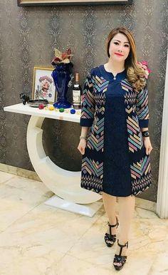 Model Dress Batik, Batik Dress, Women's Fashion Dresses, Hijab Fashion, Blouse Batik, Lace Dress Styles, Tunic Designs, Batik Fashion, Brokat
