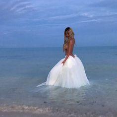 Kim Zolciak-Biermann Shares Photos From Fairy Tale Vow Renewal