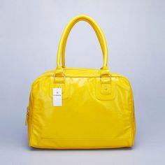 yellow purse. Want.