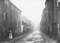 Pomfret Street off Carter Gate in the Lace Market area of Nottingham. 12th February 1914.