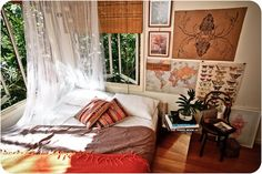 just the mix of pictures La Treehouse: ECLECTIC BEDROOM STYLING