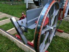 Dennis Atwood recently got into the hobby of woodworking. Wanting a sawmill of his own, he built one with materials from his backyard. Woodworking Tools For Sale, Beginner Woodworking Projects, Woodworking Toys, Popular Woodworking, Woodworking Furniture, Custom Woodworking, Youtube Woodworking, Woodworking Basics, Sketchup Woodworking