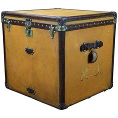 1910s Louis Vuitton Woman Hat Trunk   From a unique collection of antique and modern trunks and luggage at https://www.1stdibs.com/furniture/more-furniture-collectibles/trunks-luggage/