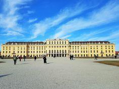 Besuche #virtuell das kaiserliche #Schloss Schönbrunn in #Wien, ein UNESCO #Weltkulturerbe #museum #österreich Kaiser Franz, Louvre, Museum, Building, Creative, Travel, Heritage Site, Viajes, Nice Asses