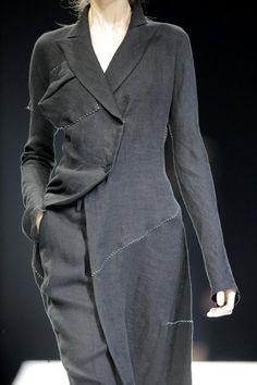 Yohji Yamamoto, Japanese Fashion Designers, High Fashion, Womens Fashion, Paris Fashion, Mode Inspiration, Dandy, Look Cool, Fashion Details