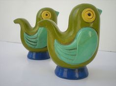 Mid Century Salt and Pepper Shakers, Vintage Avocado Green Bird Salt and Pepper Shakers, House wares, Kitchen Home Decor