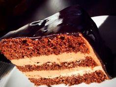 Korpus do formy 18 - 20 cm (vymazat a vysypat): Žloutky vyšleháme s cukrem do světlé pěny. Postupně rucně metlou zamícháme rýžovou polohrubou mouku (já jsem část nahradila ještě moukou ze slunečnicových semínek od Adveni a jeste troškou čirokové polohrubé... Tiramisu, Ethnic Recipes, Tiramisu Cake