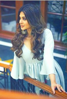 Jennifer Winget Bollywood Girls, Bollywood Actress, Ethinic Wear, Preety Girls, Jennifer Winget Beyhadh, Actress Pics, Jennifer Love, Cute Girl Photo, Indian Ethnic Wear