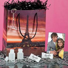 Complete the Paris themed prom with a swag bag! Stuff it with bubbles, mints, keychain and photo keytag for only $2.99!