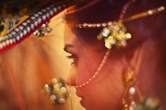 must have bridal pose for indian bride in lehenga15