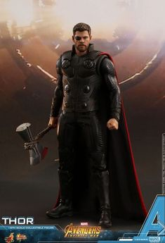 Newly developed head sculpt with authentic and detailed likeness of Chris Hemsworth as Avengers: Infinity War. The war between Avengers and villainous Thanos will finally hit the silver screen this upcoming May in Avengers: Infinity War. Thor 1, Captain Marvel, Marvel Characters, Marvel Movies, Coleccionables Sideshow, Sideshow Collectibles, Marvel Universe, Teaser, Thor Wallpaper