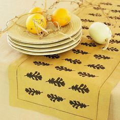 Craft this easy table runner to display on your Thanksgiving table -- no sewing required! More fall crafts: http://www.bhg.com/thanksgiving/crafts/easy-thanksgiving-handcrafts/?socsrc=bhgpin102012falltablerunner