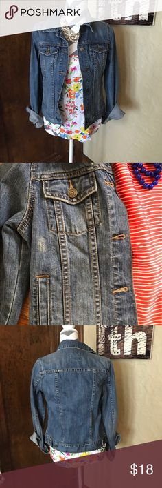 Old Navy   Jean Jacket size S Grab yourself this stylish jean jacket before the deal is gone! The perfect style for all seasons.  Layers, layers layers. Grab this one quick! It won't last long! Old Navy Jackets & Coats Jean Jackets