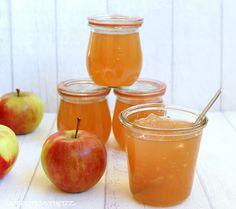 ....ein Träumchen !   In der Apfelsaison werden die knackigen Vitaminbomben zu Apfelsaft, Apfelgelee und auch Apfelmus verarbeitet.   Hie...