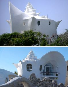 Concrete Conch: Spiral Shell-Inspired Fractal Beach House