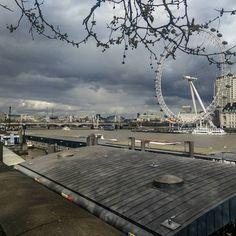 #drtheosentphotography #travelphotography #photography #london #thames #londoneye #instatravel #travel #instapicture #instapic #clouds Insta Pictures, London Eye, Travel Photography, Clouds, Instagram, Cloud, Travel Photos