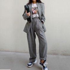 Korean Fashion – How to Dress up Korean Style – Designer Fashion Tips Urban Fashion, Look Fashion, 90s Fashion, Fashion Outfits, Womens Fashion, Fashion Trends, Fashion Mask, Ulzzang Fashion, Runway Fashion