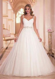 VestidoDeNoviayFiesta.com es el mejor sitio donde puedes encontrar vestidos hermosos, elegantes, sencillos o cortos, tenemos el vestido de novia de tus sueños!