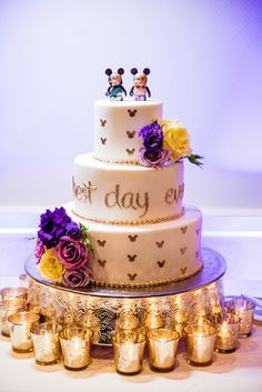 A Tangled inspired wedding cake for your Best Day Ever!