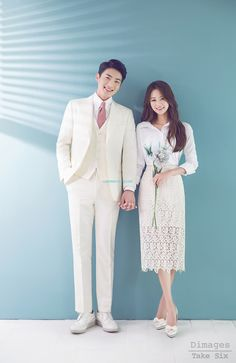 The best Korea pre-wedding photoshoot packages for overseas customers. Pre Wedding Poses, Pre Wedding Photoshoot, Wedding Couples, Trendy Wedding, Wedding Styles, Glamorous Wedding, Korean Wedding Photography, Poses Photo, How To Pose