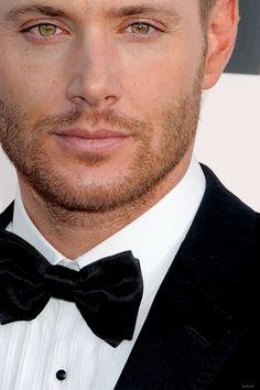Jensen - Critic's Choice Awards 2014 < Jensen your face needs to stop OK WE GET IT!