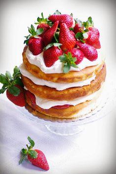 Strawberry tall cake.