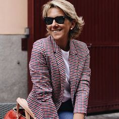 Margarita Argüelles (@margapau) • fotos e vídeos do Instagram Margarita, Fashion Over 50, Out Of Style, New Look, Nice Dresses, Going Out, Dressing, Instagram, Classy