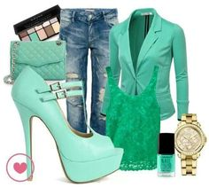 Green Look ! Curvy Fashion, Casual Looks, Jumper, Casual Outfits, Winter Outfits, Platform, Blazer, Shorts, Heels