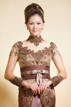 beautifuk kebaya modern indonesia