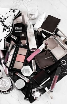 What�s In My Makeup Bag: December