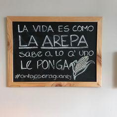 La Arepa La Arepa es un alimento de origen indígena hecho a base de masa de maíz molido o de harina de maíz precocida en forma aplanada con dos caras circulares. Es consumido de manera tradicional en la gastronomía venezolana. Debido a los intercambios migratorios con Venezuela también se ha difundido a las Islas Canarias.  En las tiendas de Antojos Araguaney y la Despensa puedes encontrar las arepas más tostadas de madrid. @antojosaraguaney @ladespensamadrid  #arepas #arepasenmadrid…