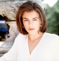Young Elizabeth Hurley (968×1000)