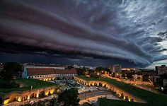 Post with 46 votes and 1003 views. Shared by shaiba. Storm clouds gathering over Timisoara City, Romania Images Cools, Lac Michigan, Timisoara Romania, Cool Pictures, Cool Photos, Sky Photos, Strange Weather, Mont Fuji, Storm Clouds