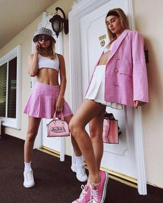 The Best Music Festival Outfits to Copy This 2020 « theguardianstyle Early 2000s Fashion, 90s Fashion, Look Fashion, Street Fashion, Vintage Fashion, Fashion Outfits, Fashion Trends, Fashion Ideas, Socks Outfit