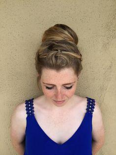 #updo #topknot #bun #braids #braidedhair #canvasboone #canvasbeautybar @siermueller