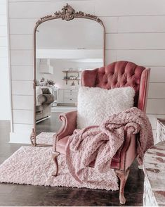 Shabby Chic Bedroom Design Ideas - The bedroom is the place where we can be ourselves and relax, read a book, watch television and of course sleep. Your bedroom is a peaceful place wher. Shabby Chic Bedrooms, Bedroom Vintage, Shabby Chic Homes, Shabby Chic Furniture, Shabby Chic Decor, Bedroom Furniture, Rustic Furniture, Stylish Bedroom, Shabby Vintage