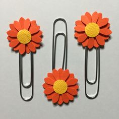 https://www.etsy.com/listing/465446158/fall-planner-kit-planner-accessories?ref=shop_home_active_1  3 pieces of daisy flower paperclips - Planner accesories, bookmarks, office clips or scrapbook embelishment, bookmark, office supply, back to school. Includes 3 pieces of daisy flowers on jumbo paperclips. perfect for your planner. Perfect for any planner. Perfect to add to your stationary supplies. It can be used as a bookmark as well. Flower size : approx. 1 inch, please select your desired…