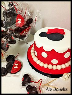 Minnie Mouse cake, cookies & cake pops - simple but so cute!