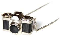 DEFY-MAFIA Camera Necklace  |  ≼❃≽  @kimludcom