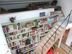 un mur de livres! Dream Rooms, Bookcase, Shelves, Home Decor, Book Wall, Livres, House, Shelving, Decoration Home