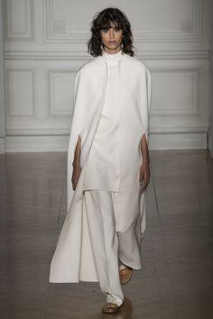 Défilé Valentino Haute couture printemps-été 2017 11
