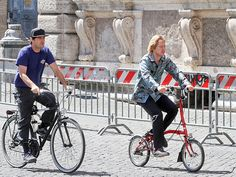 Star Tracks: Tuesday, June 23, 2015 | FOLLOW THE LEADER | Bikes: so hot right now! Owen Wilson and his brother, Luke, take in the sights as they ride through Rome on Monday.