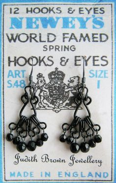 Haberdashery Chandelier Earrings made of hooks & eyes! Recycled Jewelry, Metal Jewelry, Beaded Jewelry, Vintage Jewelry, Handmade Jewelry, Bridal Jewelry, Jewlery, Bijoux Diy, Schmuck Design