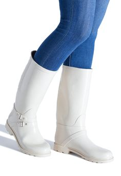 Popular Weather Phrases We Use In Daily Life Plastic Boots, Wellies Rain Boots, Wellington Boot, White Boots, Shoe Dazzle, Hunter Boots, Rubber Rain Boots, Riding Boots, Heels