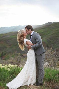 Preciosa foto de los #novios / Gorgeous pic of the newleyweds./ Puede besar a la novia