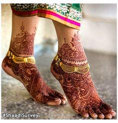 Henna Tattoos, Mehndi Tattoo, Henna Mehndi, Henna Feet, Indian Henna, Indian Ethnic, Indian Sarees, Tribal Tattoos, Anklet Designs