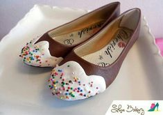 Shoe Bakery is a place where you can find sweet themed shoes and accessories to satisfy your sweet tooth! Sock Shoes, Cute Shoes, Me Too Shoes, Shoe Boots, Women's Shoes, Dream Shoes, Crazy Shoes, Costume Bonbon, Donut Costume