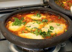 A moqueca de ovo low carb é uma receita simples e rápida de se fazer e fica muito deliciosa, sem contar que é mais uma opção para ajudar a você ficar focado