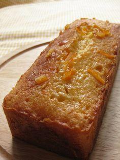 Orange Pound cake – quatre quart à l'orange. Pound Cake, Banana Bread, Pains, Cake, Kitchens, Pound Cakes, Sweet Recipes, Sweet Treats, Crack Cake